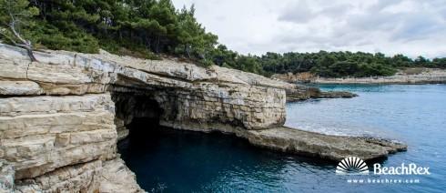 Croatia - Istra -  Pula - Beach Galebove stijene