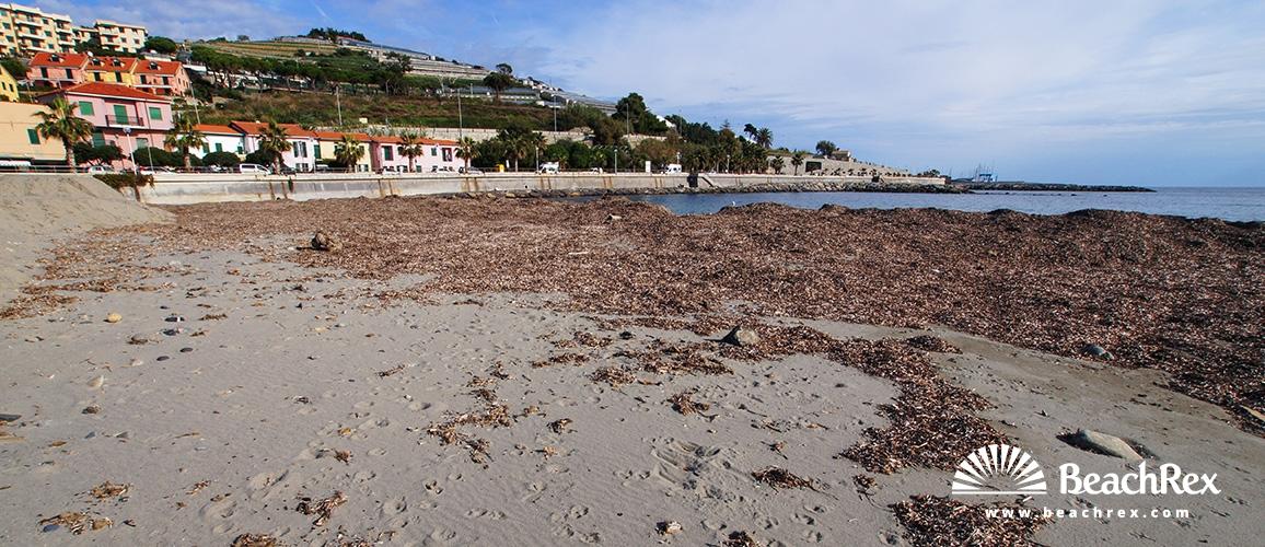 Italy - Liguria -  Santo Stefano al Mare - Beach Albertis