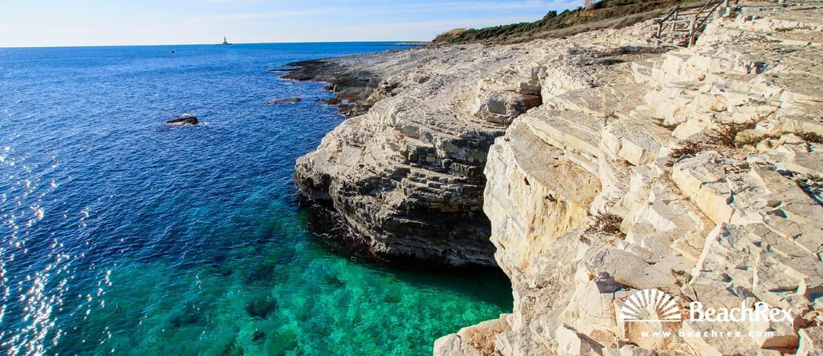 Plaža Mala Kolumbarica Premantura Istra Hrva Ka