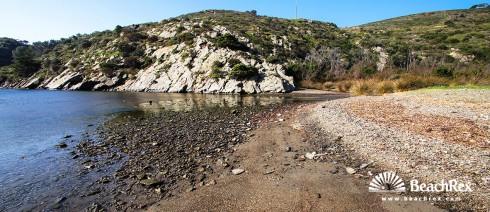 Spain - Comarques gironines -  Cadaqués - Beach Jonquet