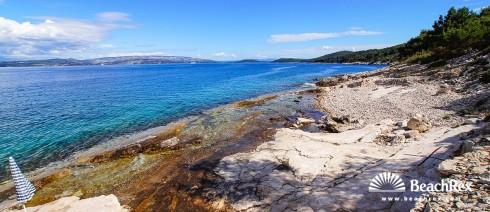 Hrvatska - Dalmacija  Split - Otok Šolta -  Stomorska - Plaža Pulenat