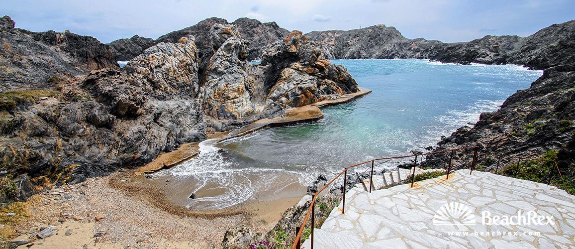 Spain - Comarques gironines -  Cadaqués - Beach Culip