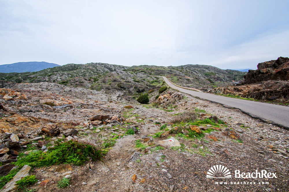Spain - Comarques gironines -  Cadaqués - Beach Barillers