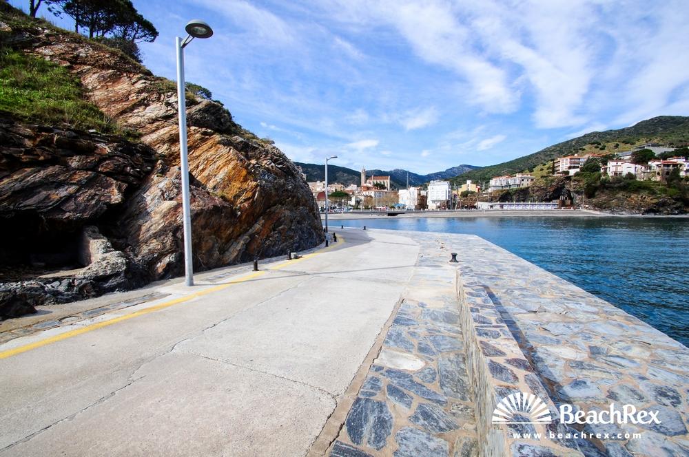 Spain - Comarques gironines -  Portbou - Beach Pi