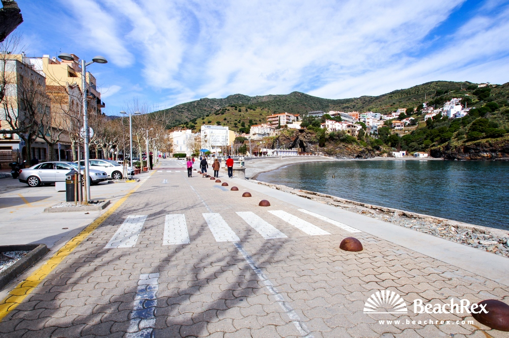 Spain - Comarques gironines -  Portbou - Beach Les Tres Platgetes