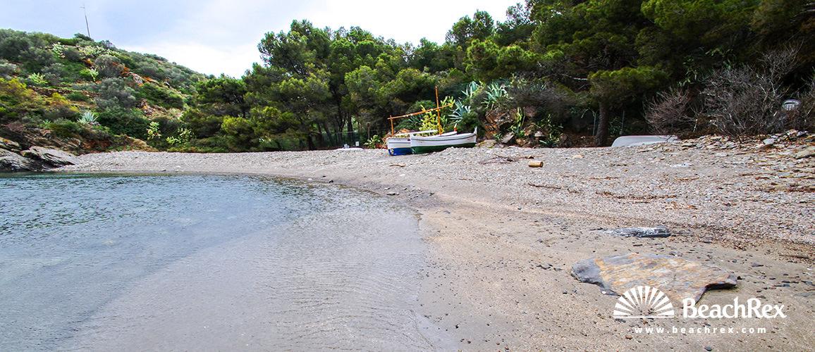 Spain - Comarques gironines -  Cadaqués - Beach Guillola