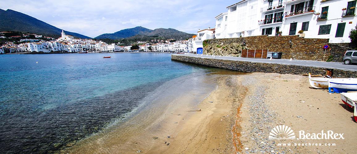 Spain - Comarques gironines -  Cadaqués - Beach Es Pianc