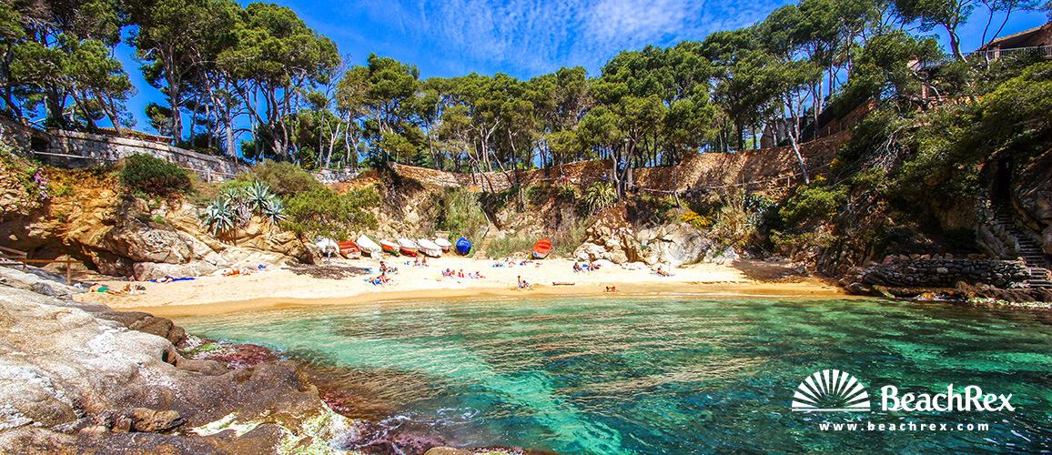 Beach Sa Cova Castell Platja D Aro Comarques Gironines Spain Beachrex Com