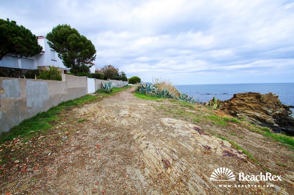 Spain - Comarques gironines -  Llanca - Beach de les Carboneres