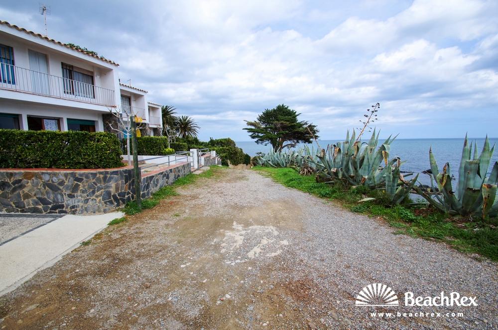 Spain - Comarques gironines -  Llanca - Beach del Valles