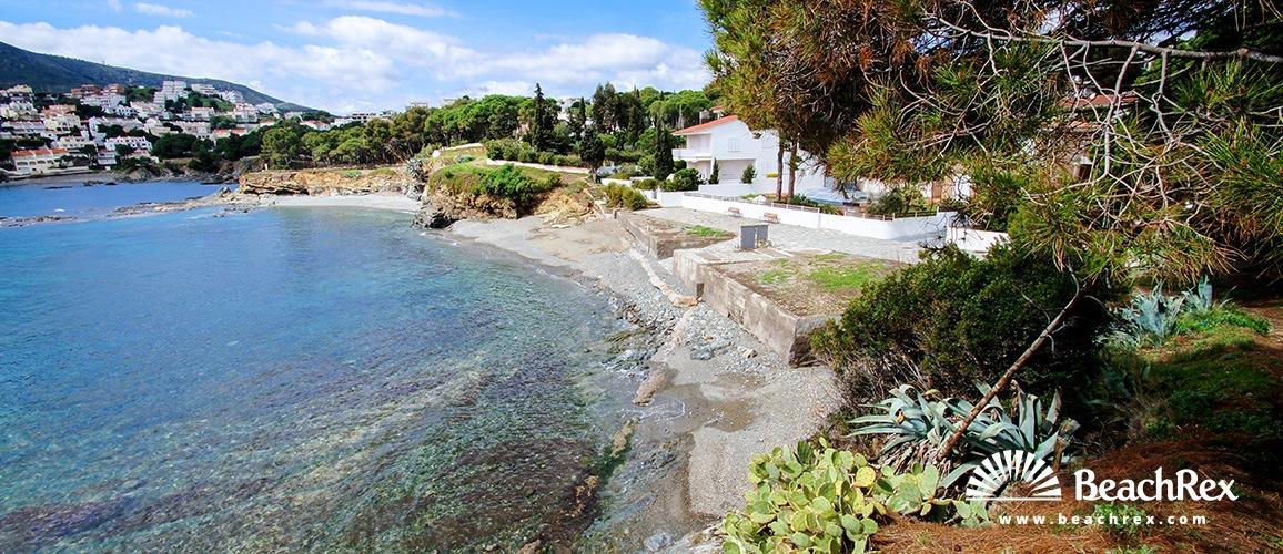 Spain - Comarques gironines -  Llanca - Beach de las Titarolites