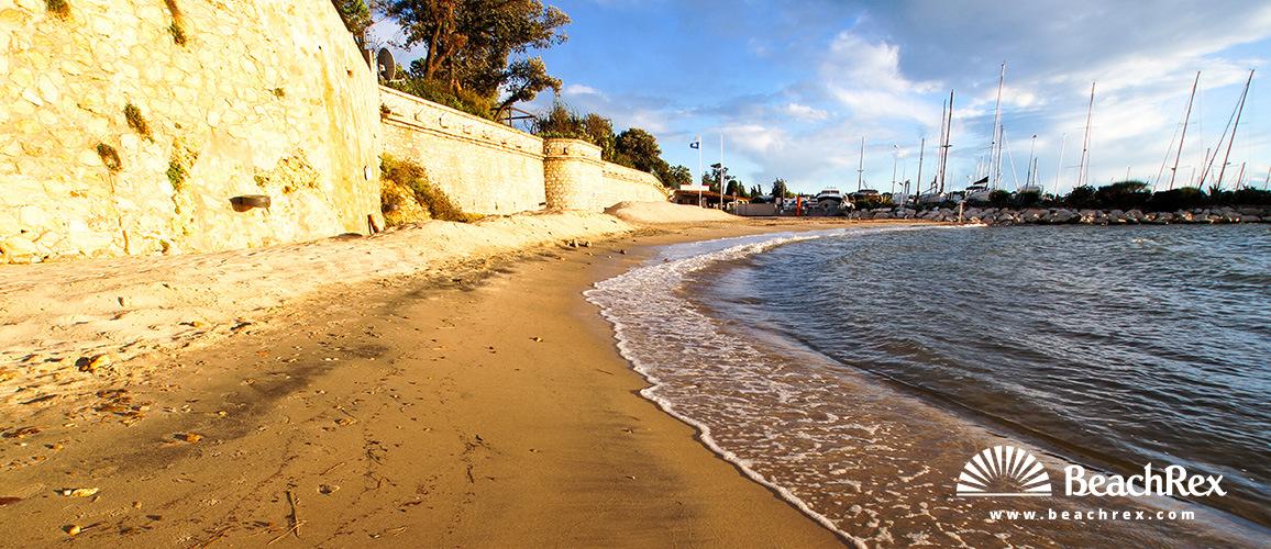 France - AlpesMaritimes -  Antibes - Beach de la Galice