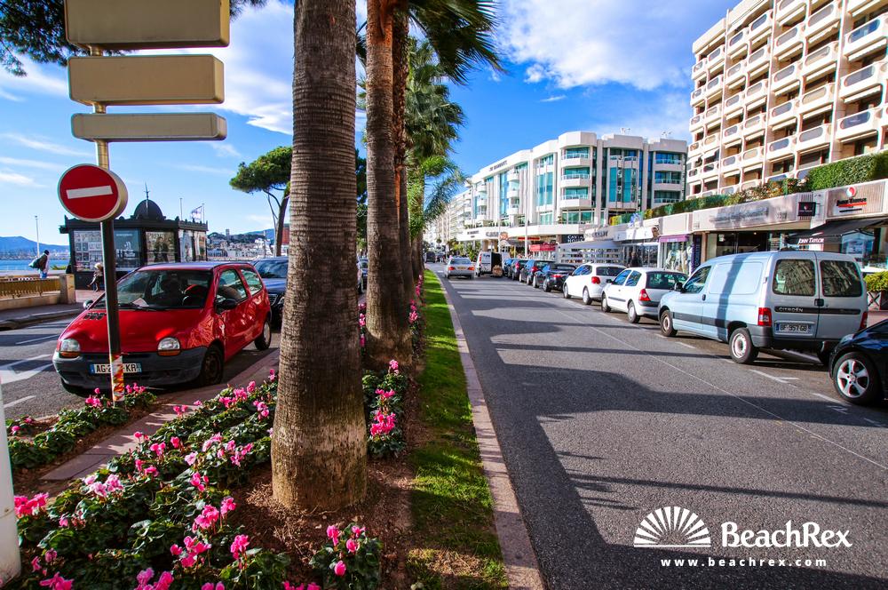 France - AlpesMaritimes -  Cannes - Beach Croisette