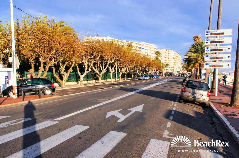 France - AlpesMaritimes -  Cannes - Beach Midi