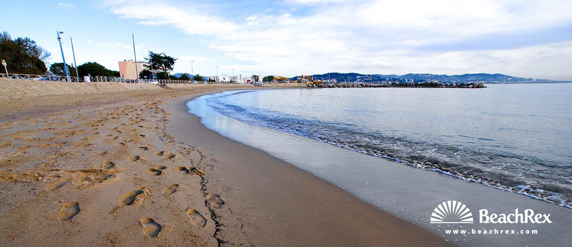 France - AlpesMaritimes -  Mandelieu-la-Napoule - Beach des dauphins