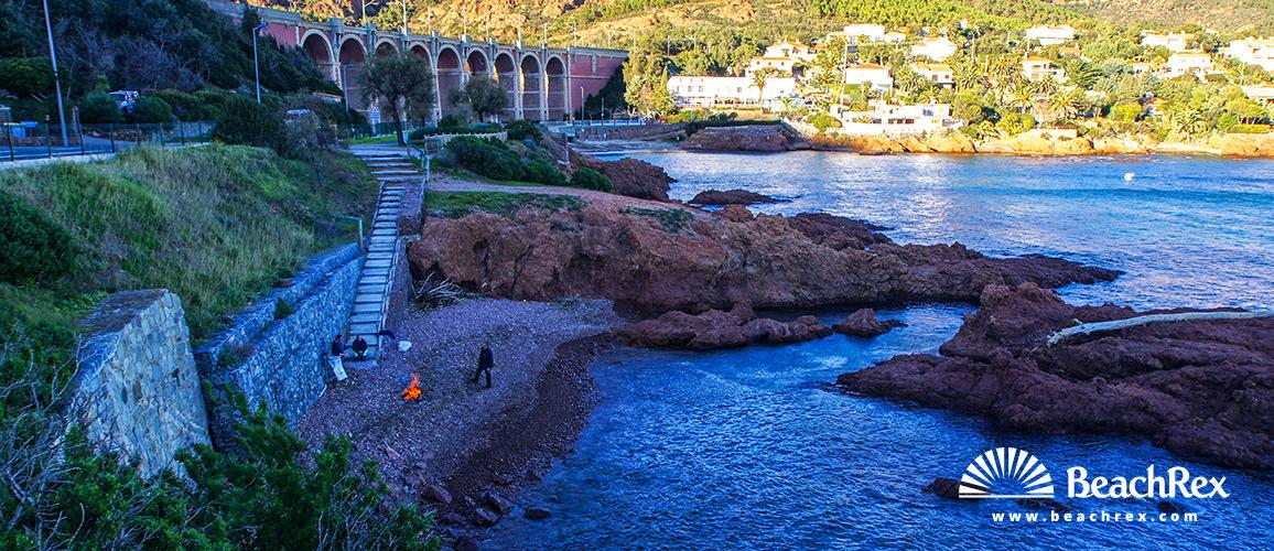 France - Var -  Saint-Raphaël - Beach Viaduc