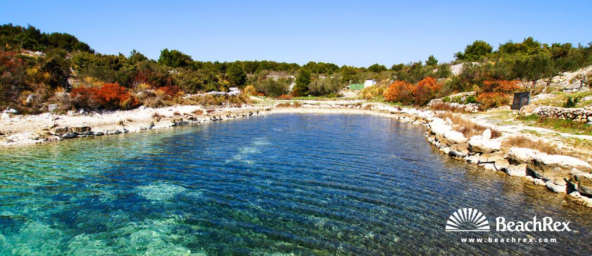 Croatia - Dalmatia  Šibenik -  Pirovac - Beach Bandarda