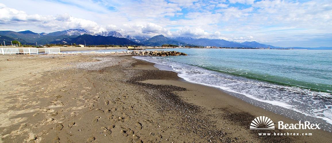 Italy - Liguria -  Fiumaretta di Ameglia - Beach Fiumaretta