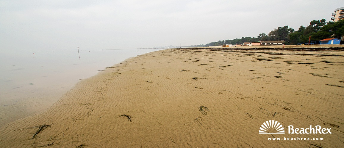 Italy - FriuliVenezia Giulia -  Grado Pineta - Beach Pineta