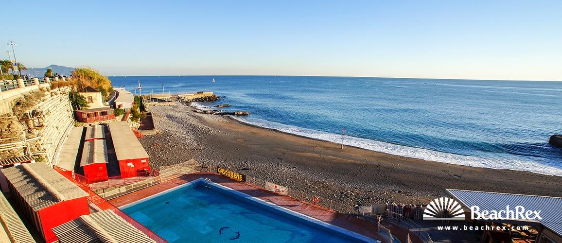 Beach san nazaro genova liguria italy for Bel soggiorno genova