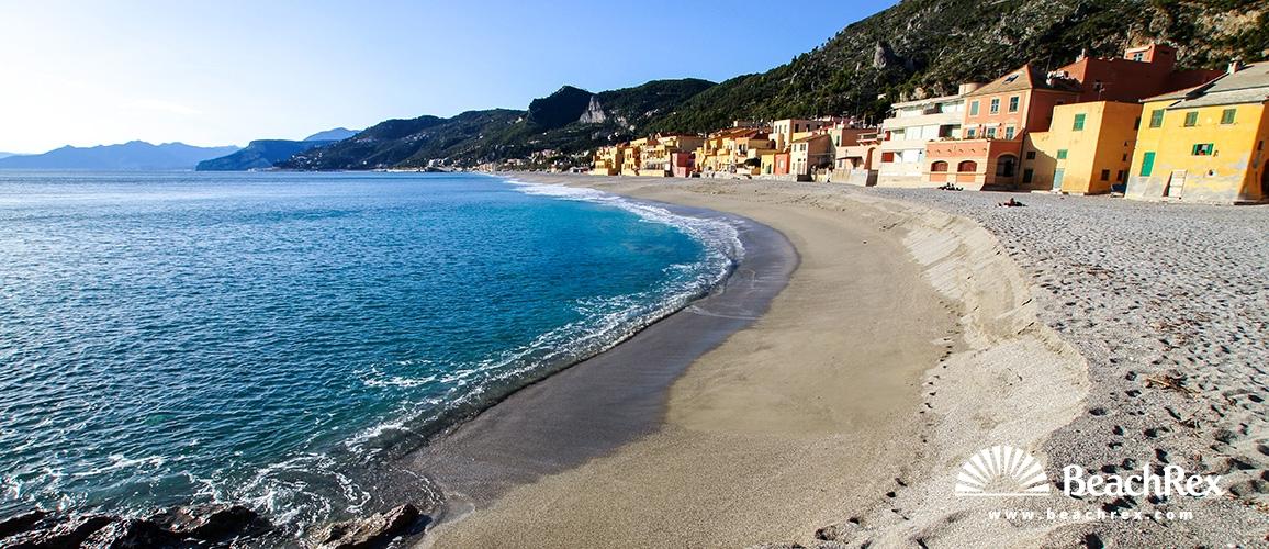 Italy - Liguria -  Varigotti - Beach Varigotti