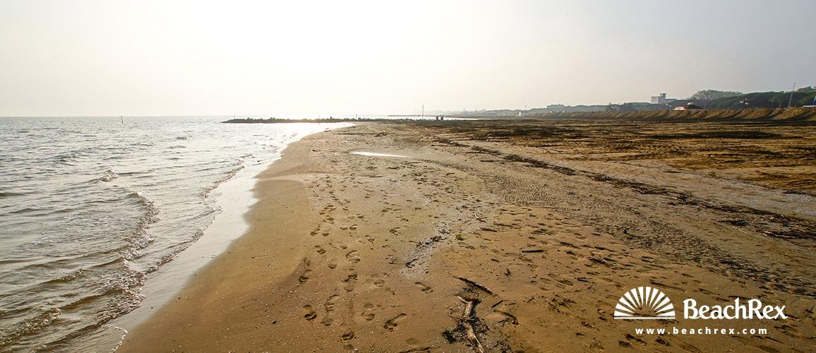 Italy - Veneto -  Lido di Jesolo - Beach Jesolo Pineta