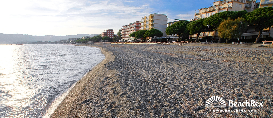 Italy - Liguria -  San Bartolomeo Al Mare - Beach San Bartolomeo