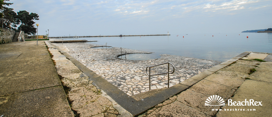 Croatia - Istra -  Novigrad - Beach Park
