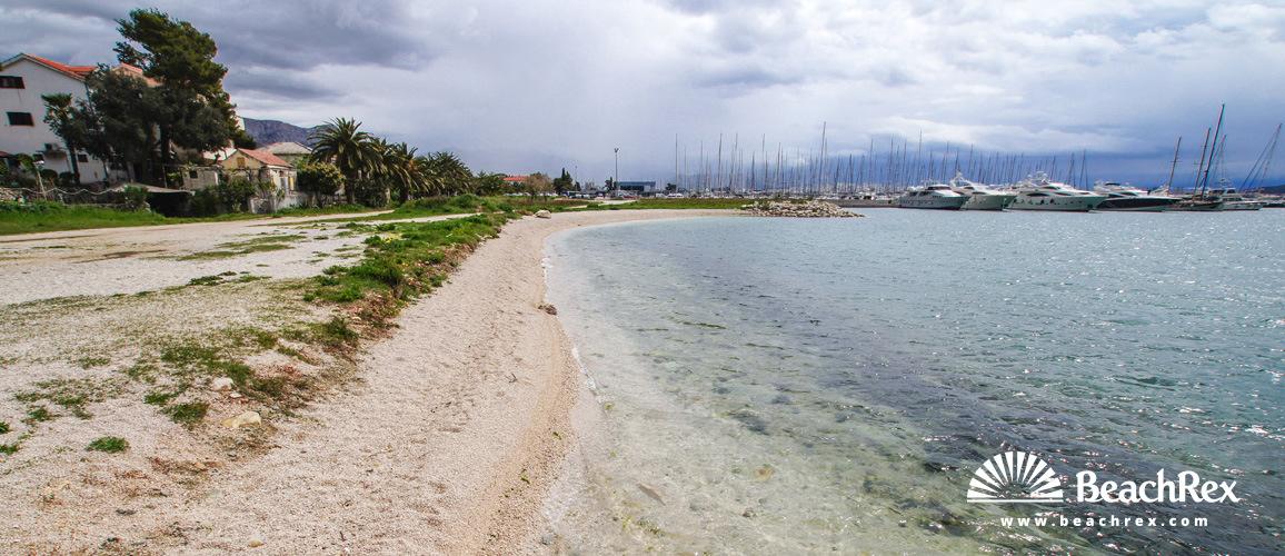 Croatia - Dalmatia  Split -  Kaštela - Beach Kaštel Gomilica