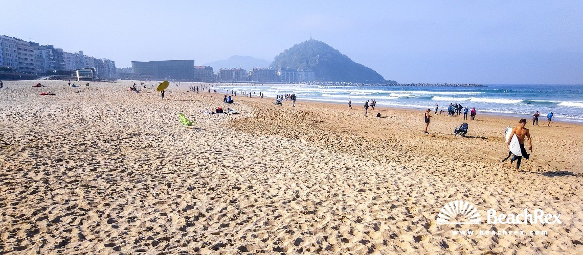 Spain - País Vasco -  Donostia - Playa Zurriola