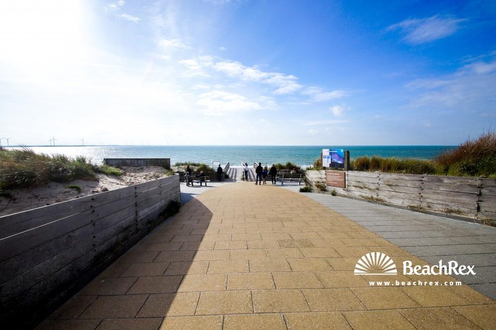 Netherlands - Zeeland -  Burgh-Haamstede - Strand Rotonde