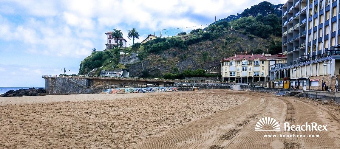 Spain - País Vasco -  Deba - Playa Santiago de Deba
