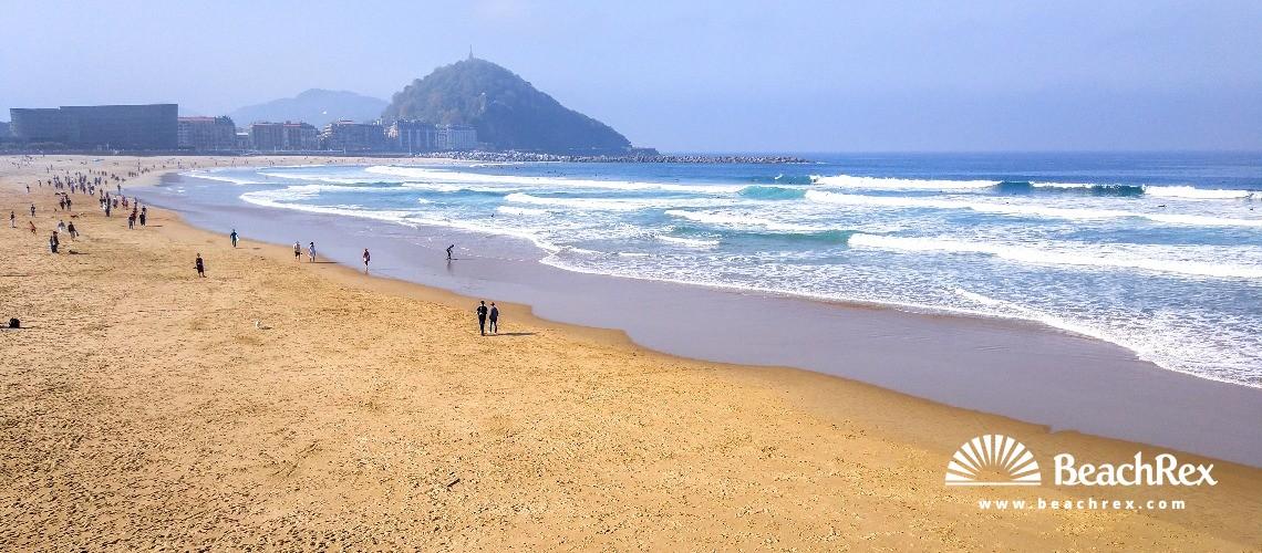 Spain - País Vasco -  Donostia - Playa Zurriola