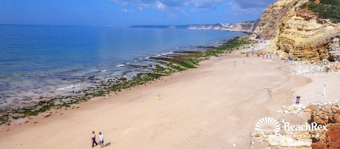 Portugal - Algarve -  Budens - Praia das Cabanas Velhas
